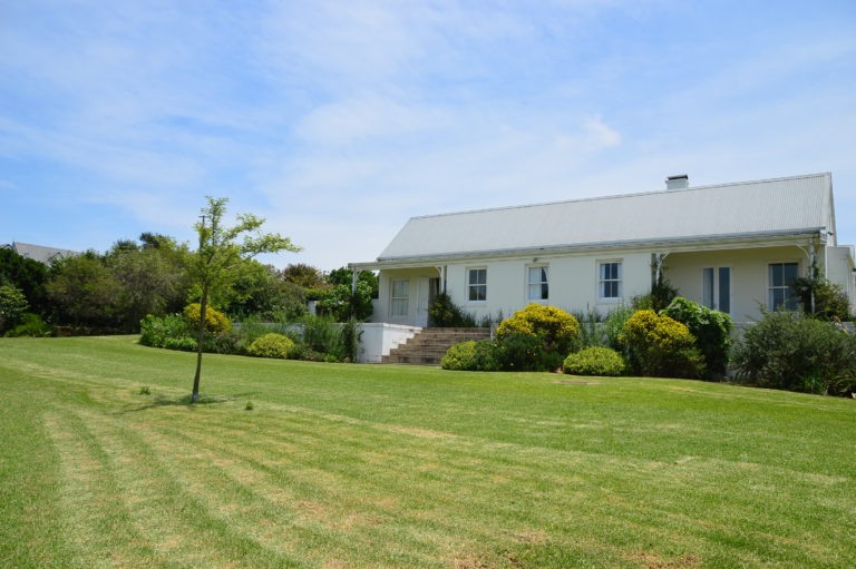 majestic-north-east-facing-house-for-sale-garlington-estate-midlands-meander