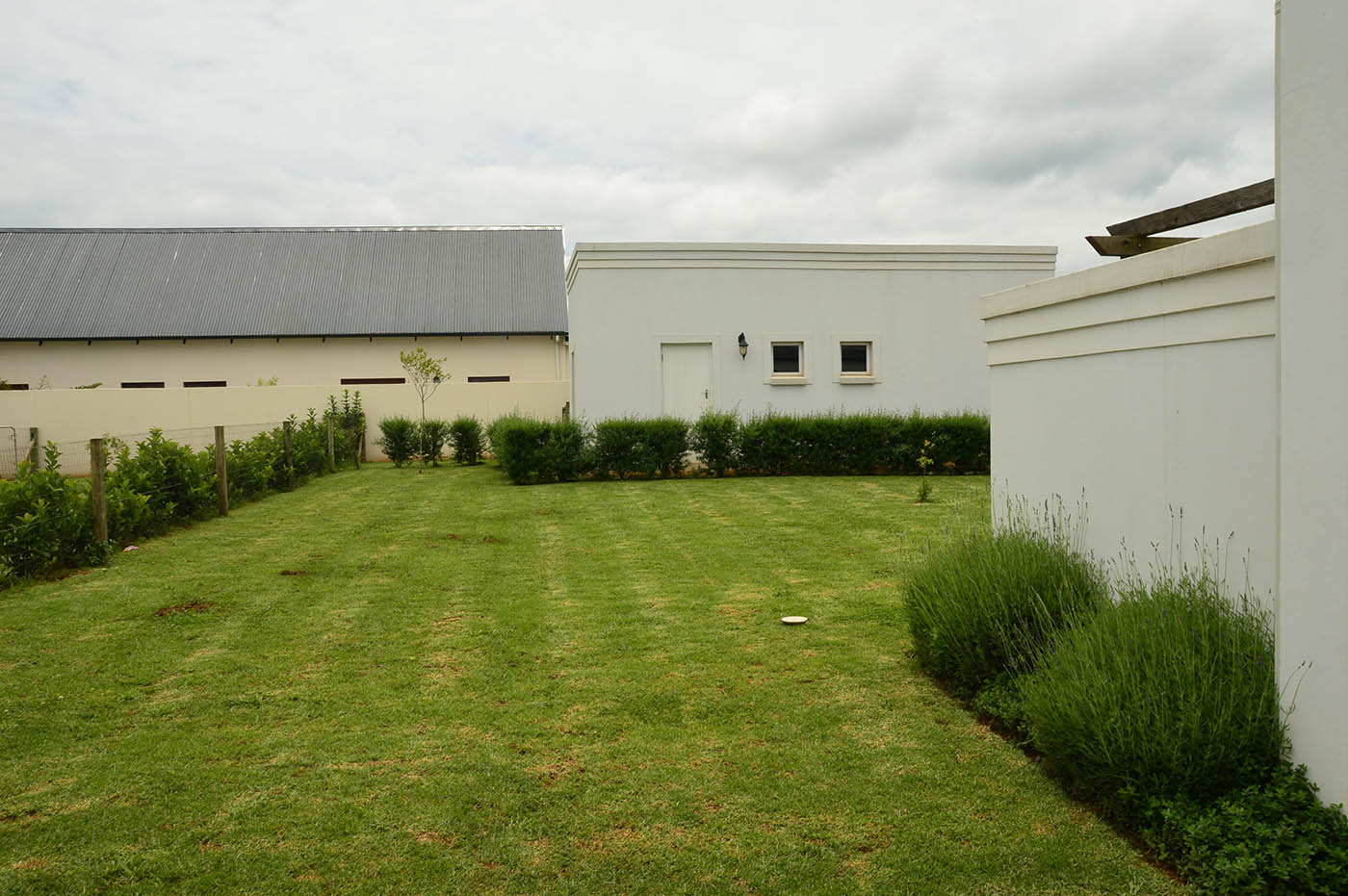 entertainers-dream-house-garlington-estate-luxury-rentals-apartments-property-sales-garden0view