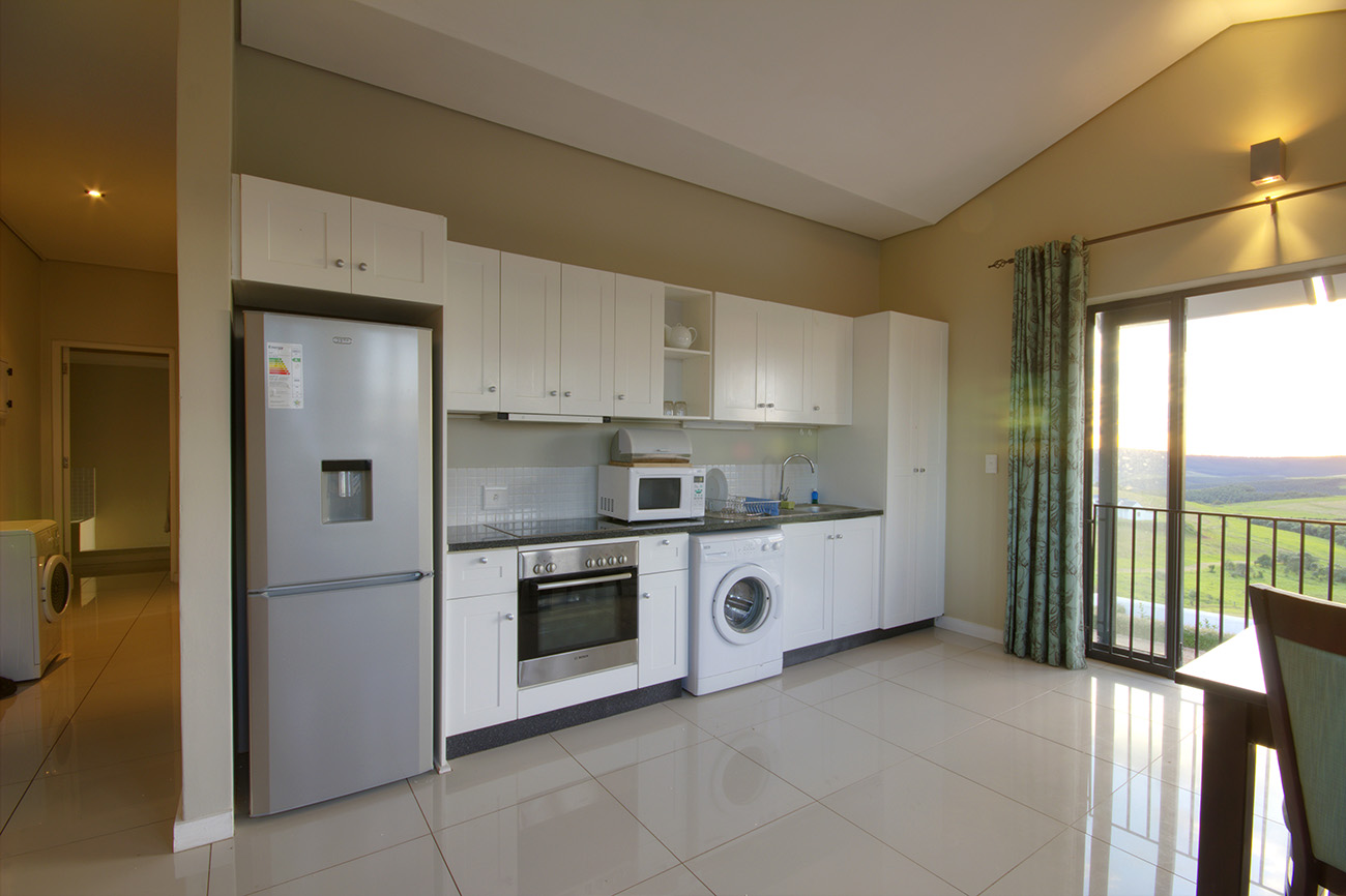 fully-furnished-apartment-available-short-medium-term-rentals-garlington-estate-kitchen-luxury-country-development-kzn