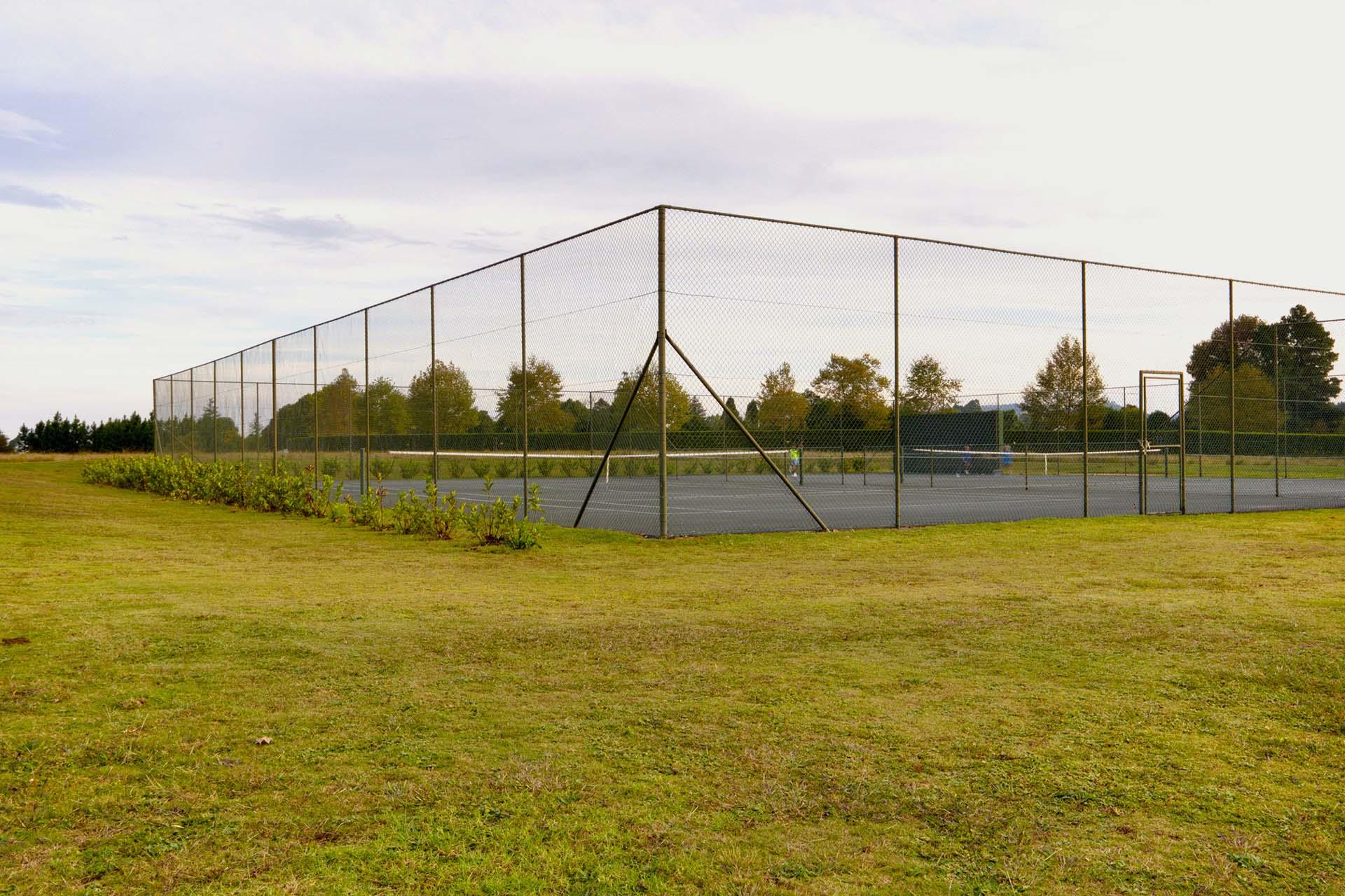 tennis-courts-amenities-garlington-estate-luxury-country-development-hilton-midlands-countryside-contemporary-farm-lifestyle